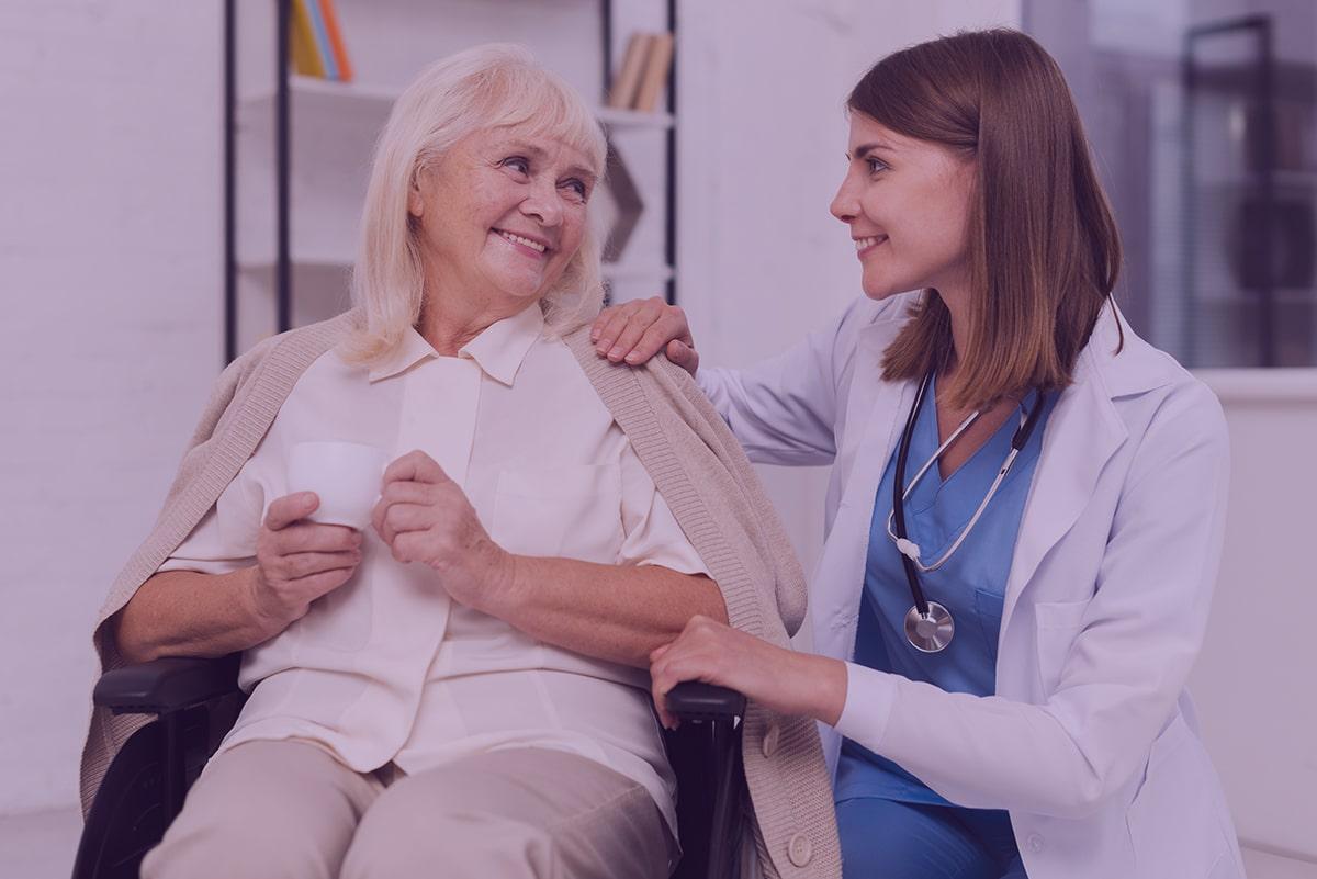 Entenda a diferença entre menopausa e climatério
